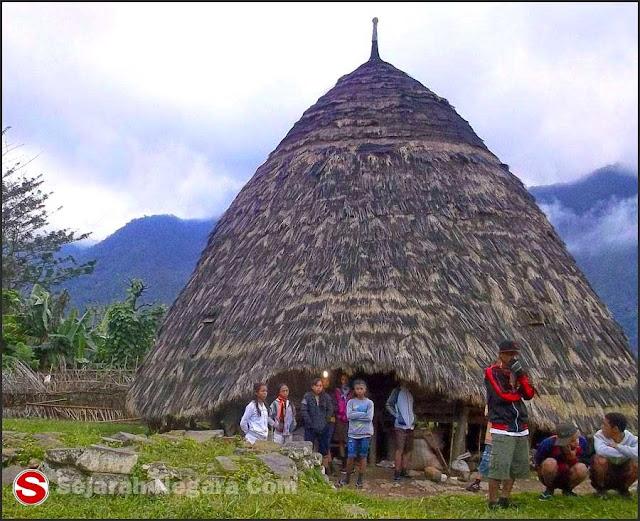 Foto Rumah adat Waem Rebo NTT