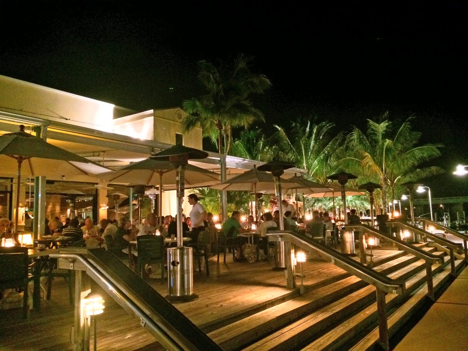 The Daily Rant Dinner And A Show Guanabanas Island Restaurant Bar Located In Jupiter Fl