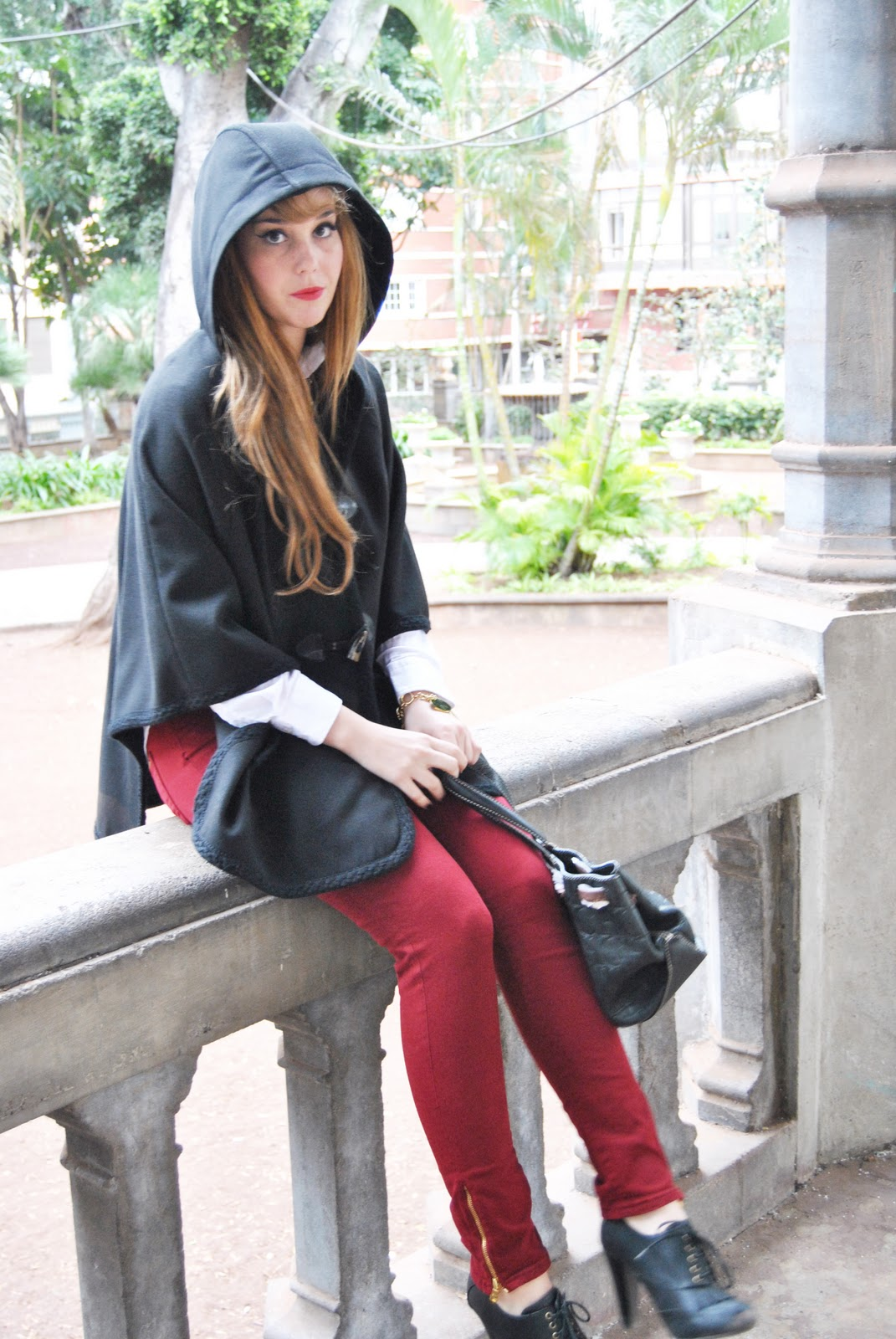 NERY HDEZ, CAPE, COLLEGE LOOK, CH