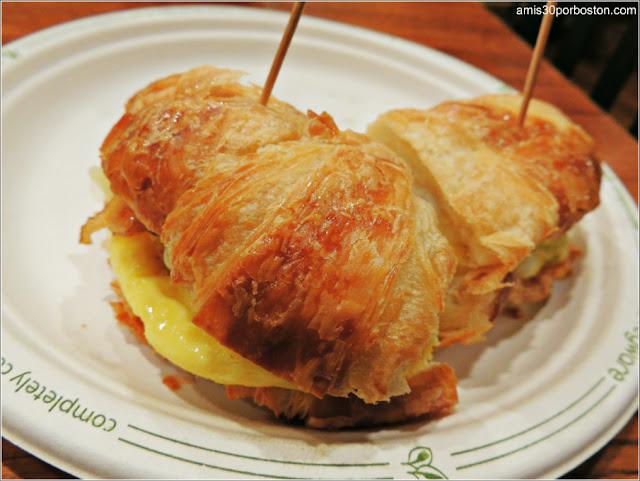 Granjas de Massachusetts: Desayuno en la Cafeteria de la Kimball Farm