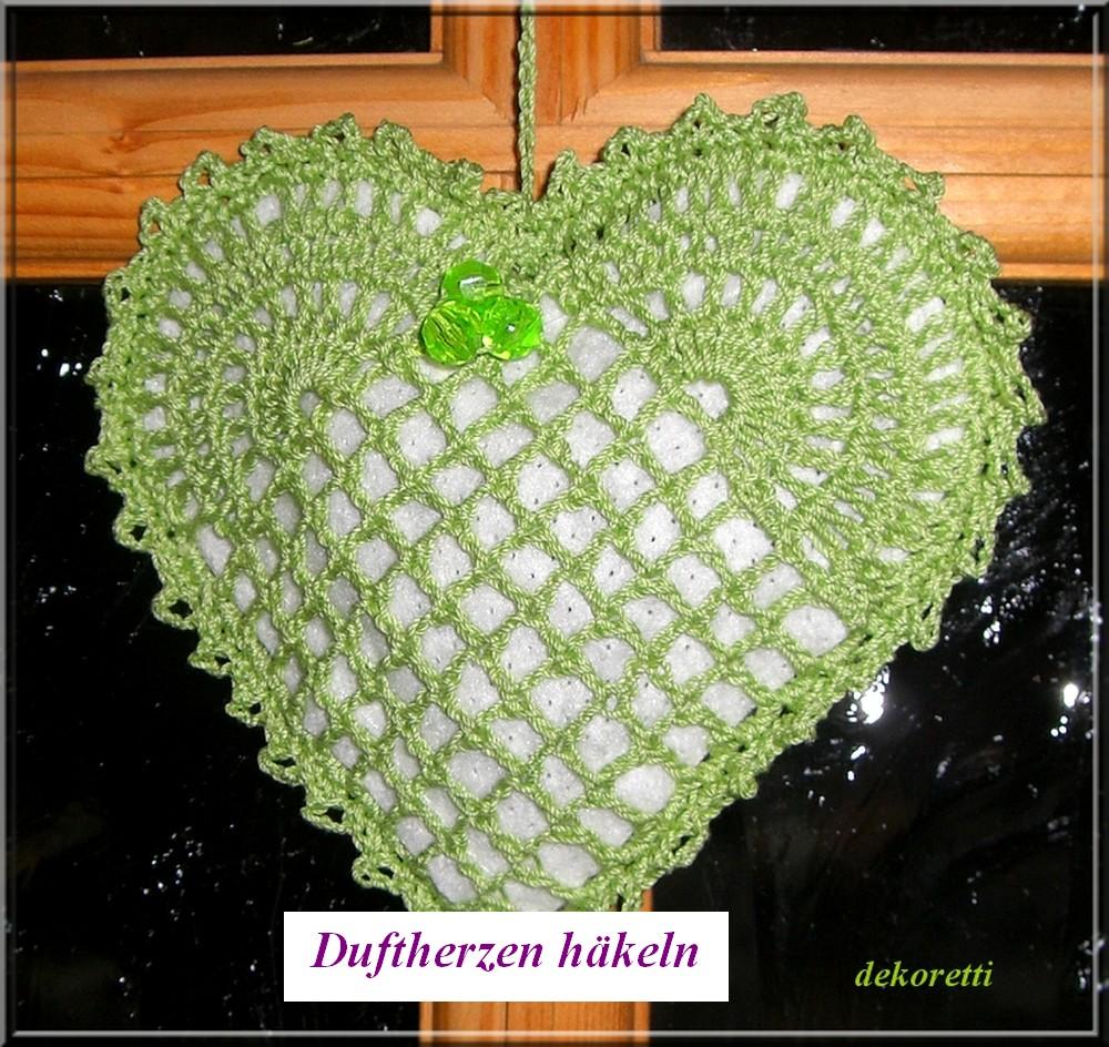 http://dekoretti.blogspot.de/2010/03/herziges-in-grun-mit-lavendelduft.html