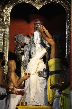 హైదరాబాద్లో శ్రీవారి ఆలయం..  భక్తులకు దర్శనం ప్రారంభం