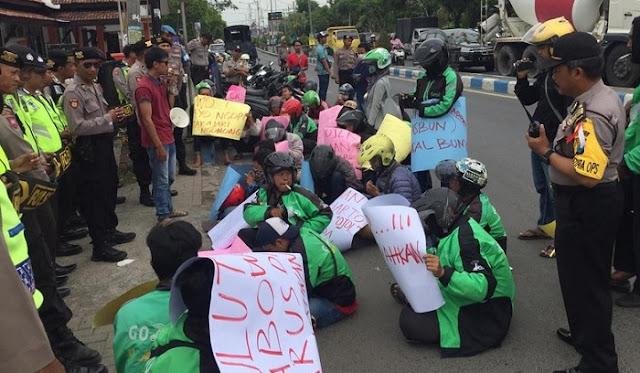 Ojek Online Bangkalan Tuntut Prabowo Minta Maaf