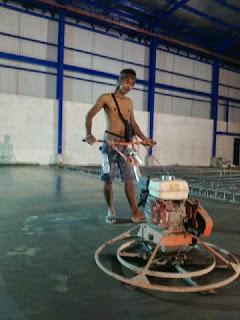 Pengerjaan Pengecoran & Finishing Floor Hardener di Karawang
