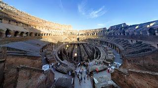 Coliseo romano en Roma en bus turístico