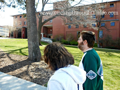 Turtlegirl and her Daddy explore the College Campus!  Five Random Things at circling Through This LIfe!