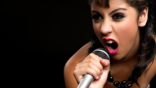 gorgeous-singer-girl-hd-wallpaper-2560x1600-px