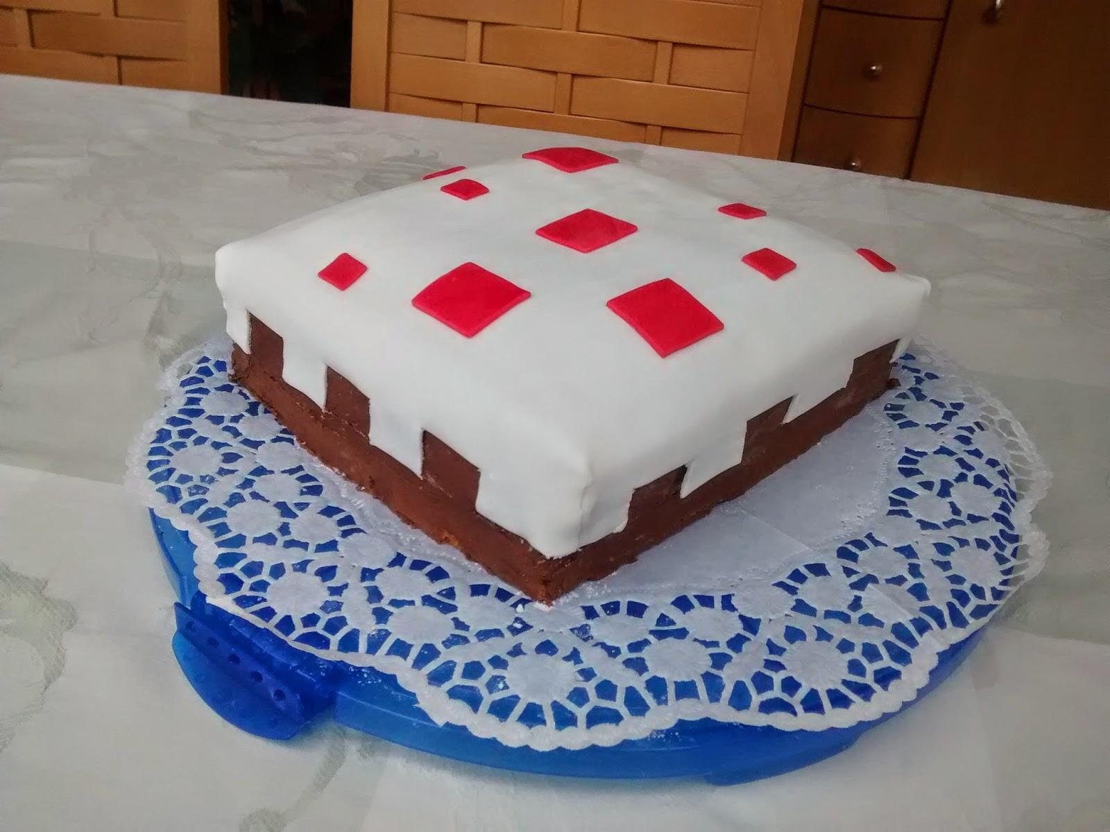 Twinke Baking Minecraft Cake