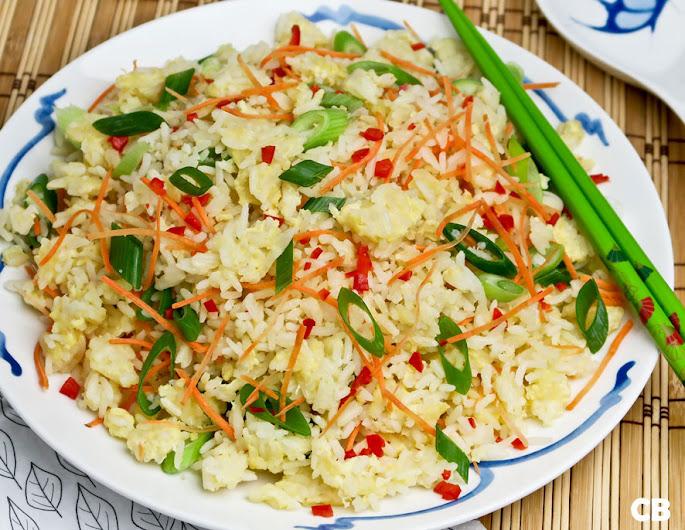 Recept Gebakken rijst met ei, bosui en wortel