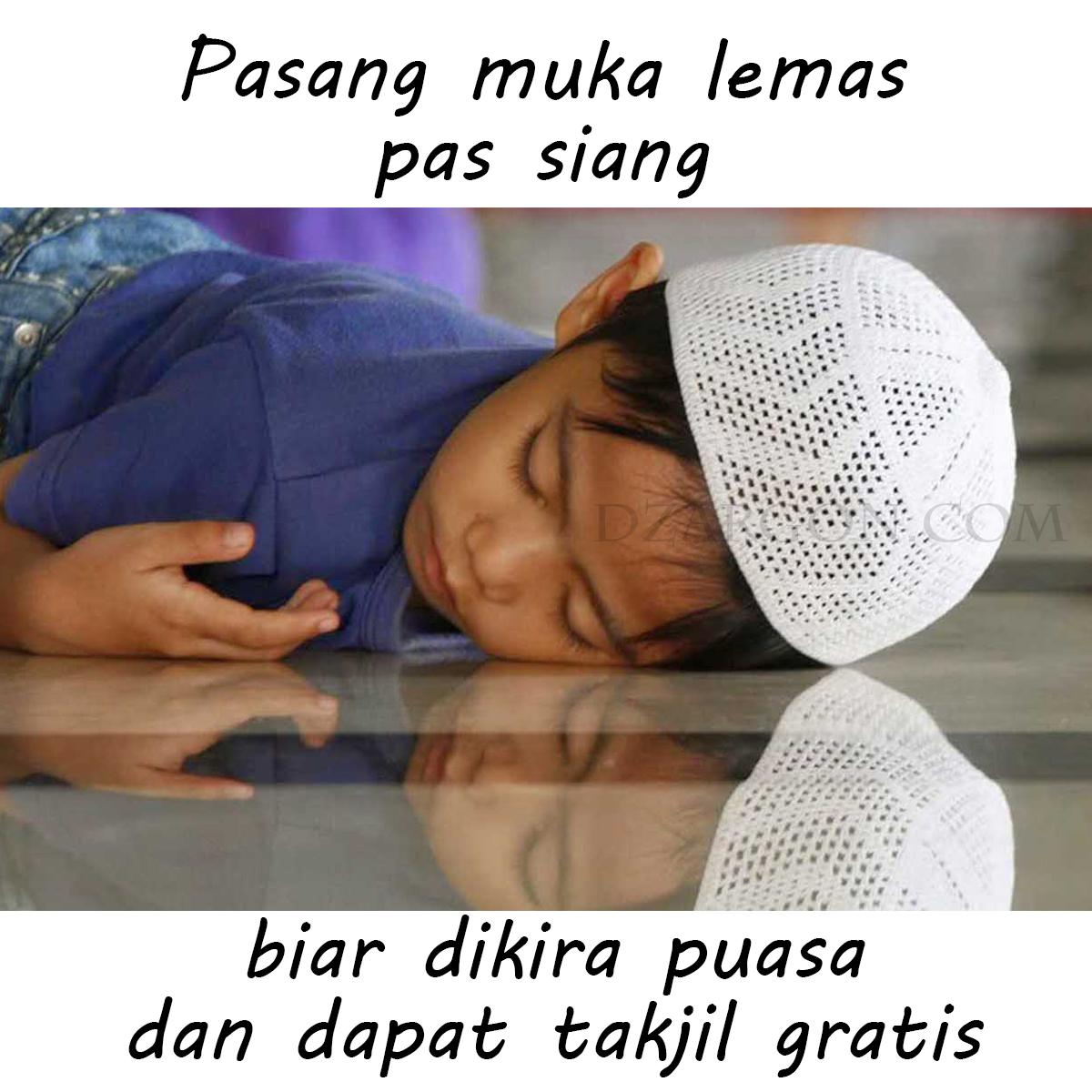 Foto Meme Gokil lucu puasa anak-anak tahan haus tidur di masjid