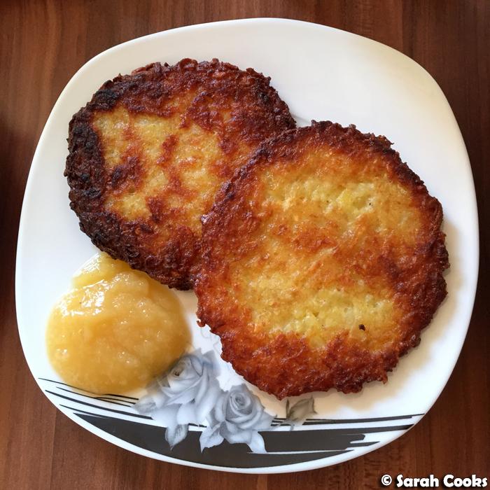 sarah cooks kartoffelpuffer german potato pancakes. Black Bedroom Furniture Sets. Home Design Ideas
