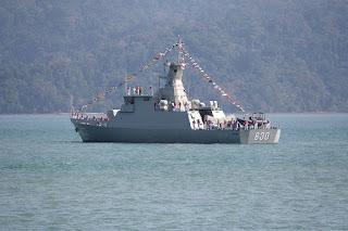 http://3.bp.blogspot.com/-Ugckh3MCjcU/VmWcX5ePGCI/AAAAAAAAIEk/YwGCtYo_XEA/s1600/12240233_498162273690932_5060544490708167166_defence.pk.jpg