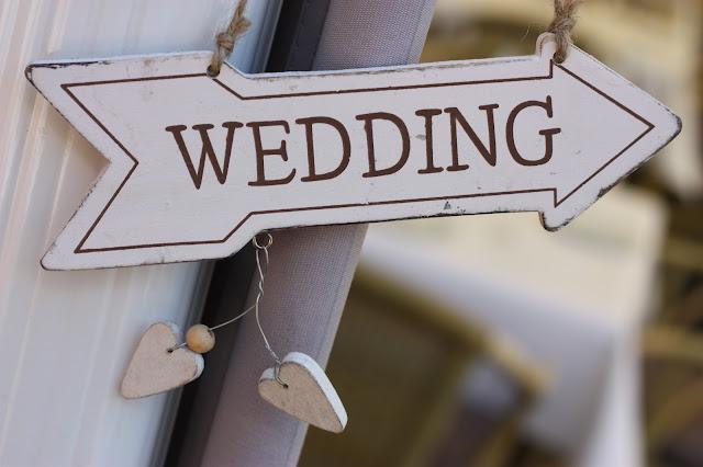 Wedding this way - Birdcage vintage wedding - Irish wedding in Bavaria, Riessersee Hotel Garmisch-Partenkirchen, wedding venue abroad