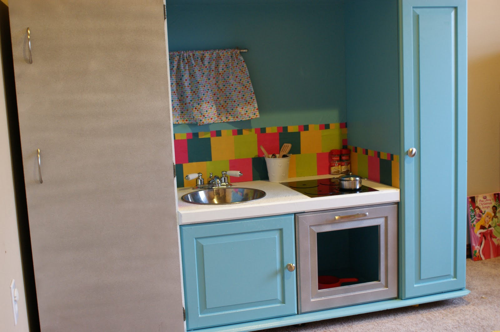 3krazychics: DIY Play Kitchen from Old Entertainment Center