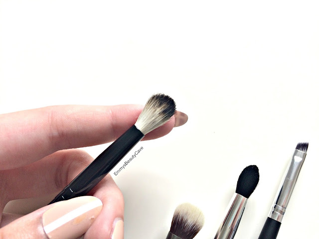 Crown Brush BK38 Deluxe Crease Brush review