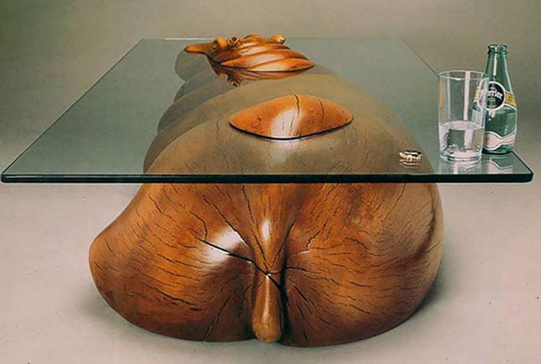 Creativos diseños de mesas crean una ilusión de animales en el agua