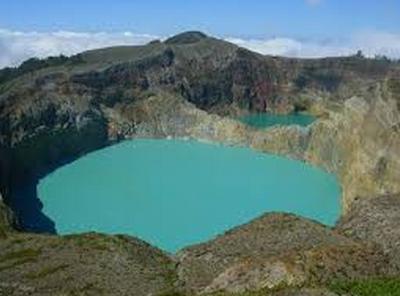 wisata alam gunung kelimutu