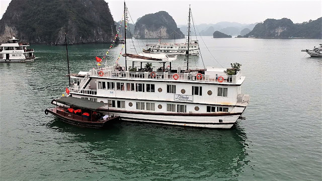 lavender cruise ship halong bay vietnam