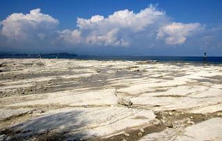 Italia. Italy. Italie. Lombardia. Sirmione. Lago di Garda. Playa