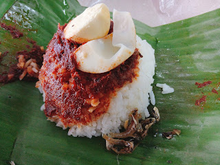 Most of the RM1.50 or RM2 nasi lemak only comes with a quarter of boiled egg