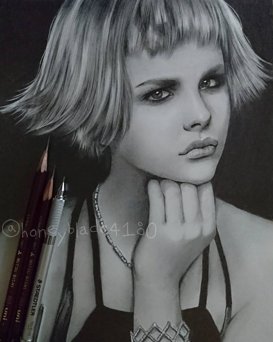 03-Chloë-Grace-Moretz-YU Pencil-Portrait-Drawings-of-Celebrities-and-Non-www-designstack-co