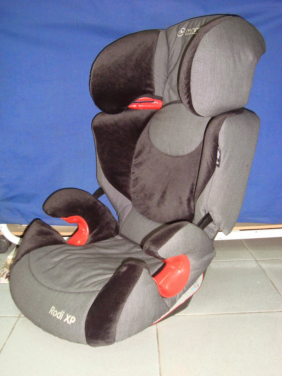 kedai bundle toys thetottoys maxi cosi rodi xp booster seat. Black Bedroom Furniture Sets. Home Design Ideas