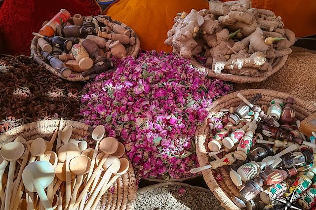 especias en el mercado de Rissani