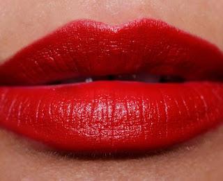 Essential Beauty. I 5 rossetti Mac Indispensabili