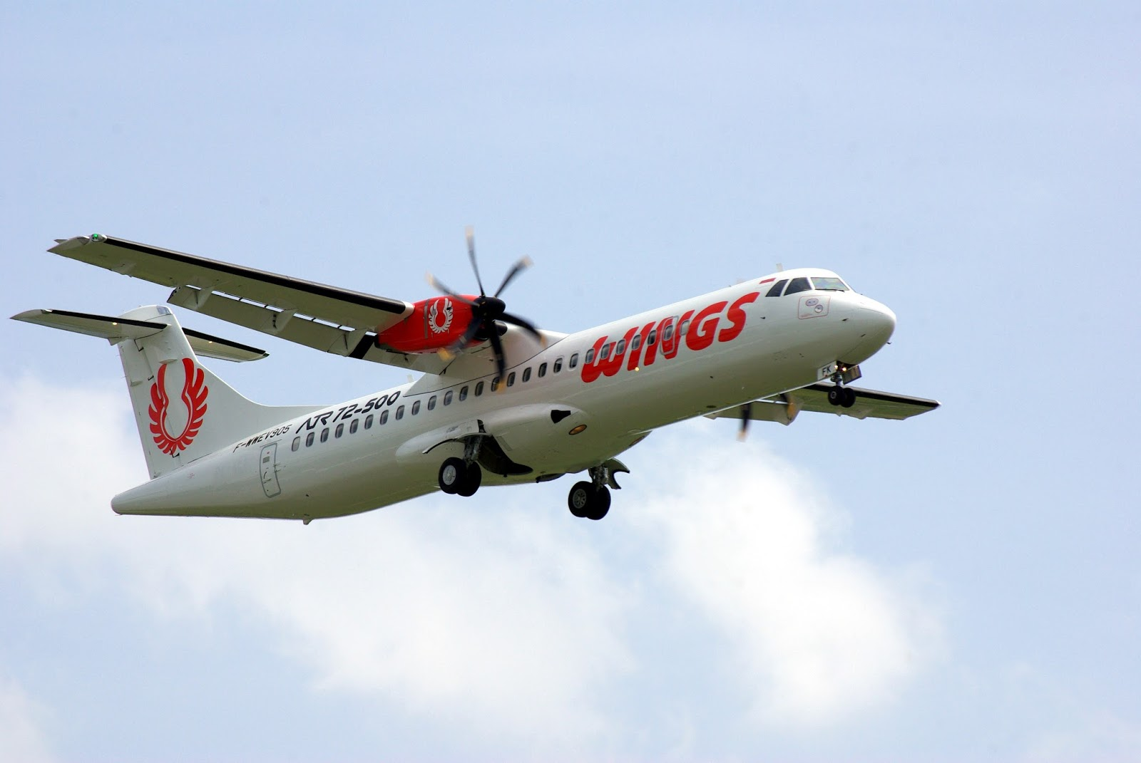 Pengalaman Terbang Bersama Wings Air Dani Setiawan