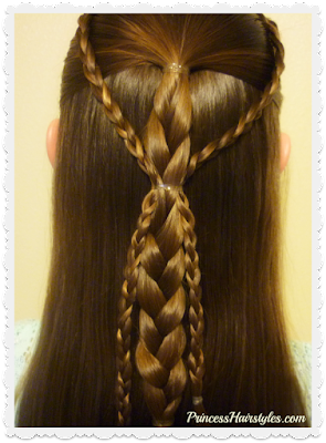 Quick and easy braided hairstyle for school. #braids #backtoschool #hairstyles #5minutehairstyles