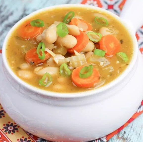 Crock Pot Vegetarian White Bean Soup #simplerecipe #carrot
