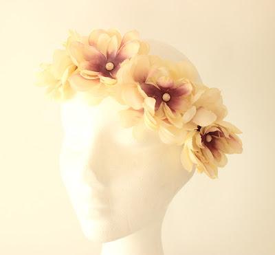 PV 2018 Nude Corona Floral