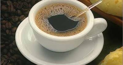 Dormir más o consumir cafeína alivian mejor el dolor crónico que los analgésicos