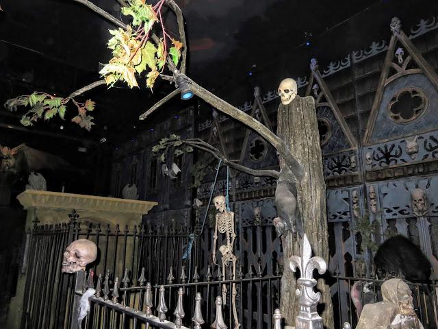 Castle Dracula Experience in Dublin - Graveyard
