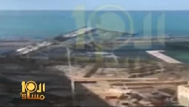 فيديو جديد للحظة سقوط لافتة إعلانات الإسكندرية على مواطن ووفاته