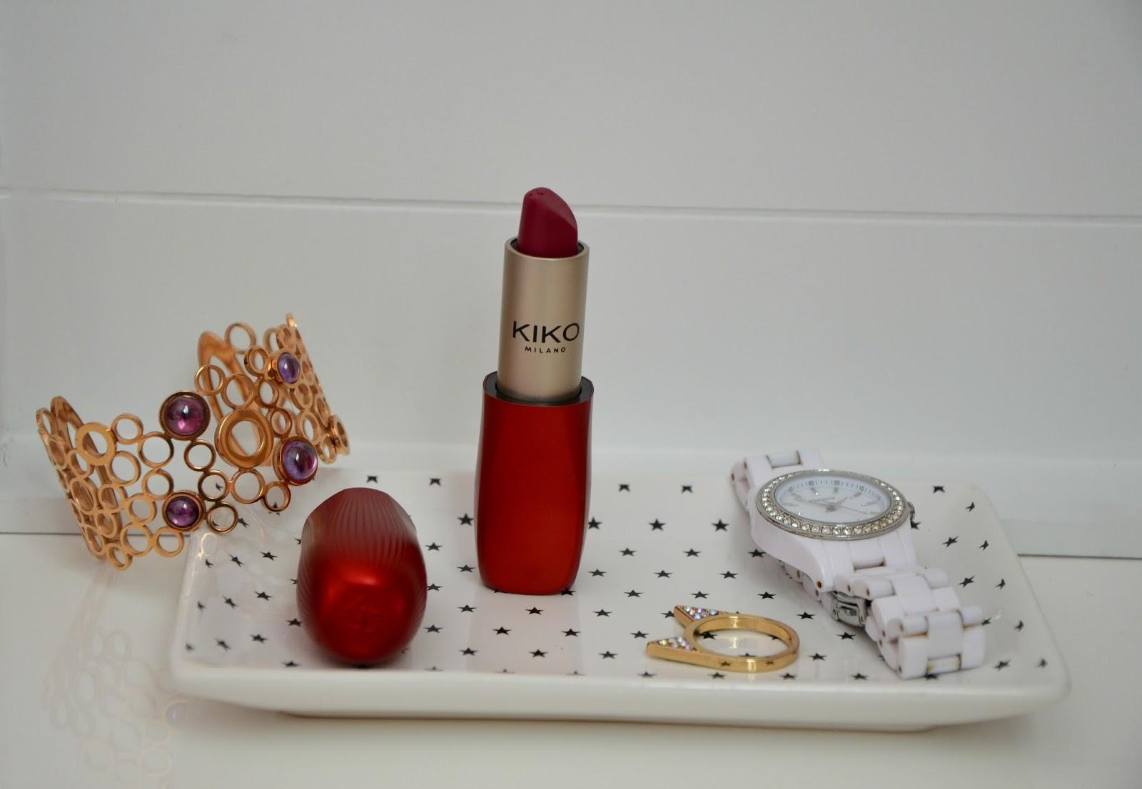 intense colour lipstick