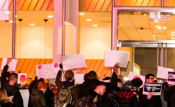 aljihawia24 - Net neutrality protesters take to the streets