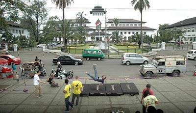 Ngabuburit di Gedung Sate, Bandung