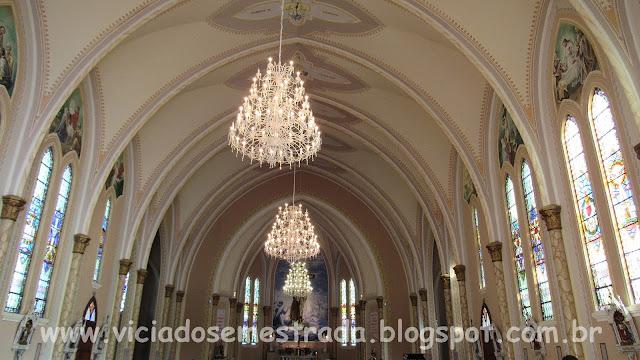 Interior da igreja São Francisco de Assis, Monte Belo do Sul, RS