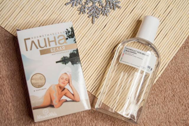 [295.] Mycie twarzy glinką- kolejny sposób na dogłębne oczyszczenie skóry bez użycia detergentów.