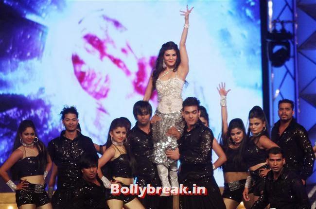 Jacqueline Fernandez, Bollywood Celebs at Umang Police Show 2014