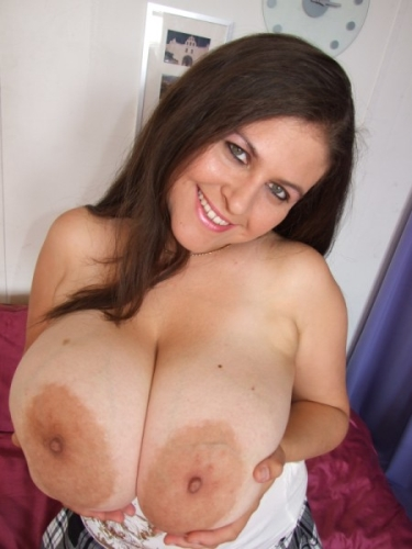 Busty college cam babe having fun with her sex toys 8
