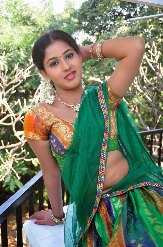 Greeshma hot hd wallpapers in half saree