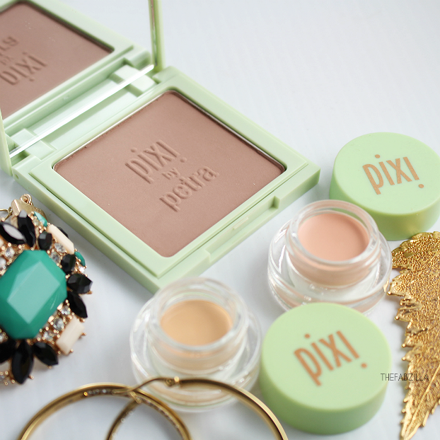 Pixi Shape & Shadow Natural Contour Powder, Pixi Concealing Concentrate Adaptable Beige, Pixi Correction Concealer Brightening Peach, Review, Swatch, how to contour