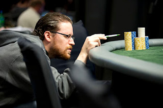 Mickey Doft counting chips at the 2012 LAPT Punta del Este final table
