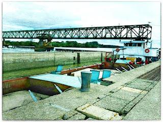 Embarcação na Eclusa da Barragem Eclusada de Amarópolis, Santo Amaro, General Câmara