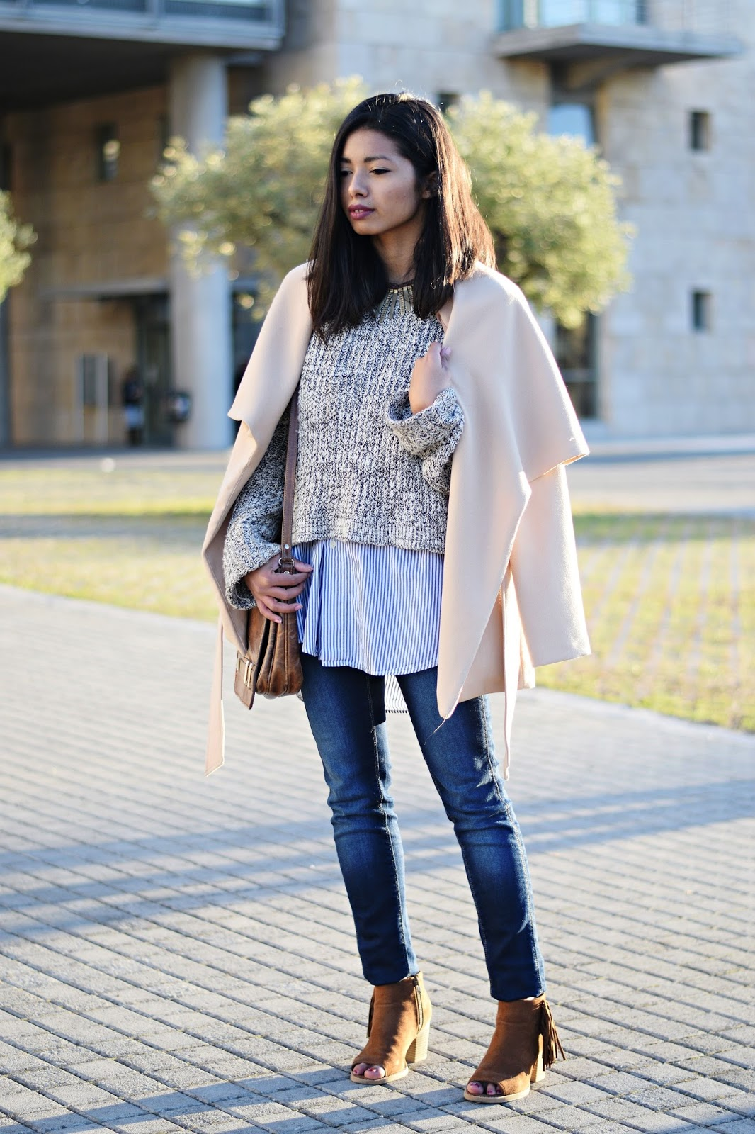 k-meets-style skinny jeans gray sweater