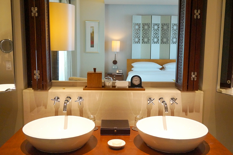 Euriental - fashion & luxury travel, Park Hyatt Dubai, Park Terrace Suite bedroom