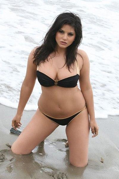 70 Best Sunny Leone Bikini Pics In Full Sexy Moods-7816