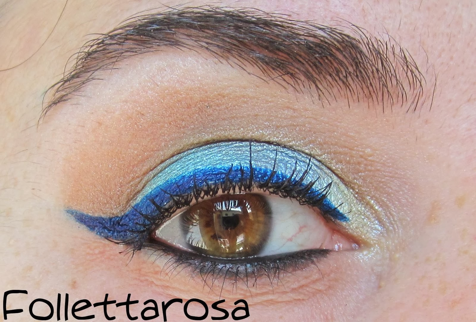 trucco eyeliner colorato